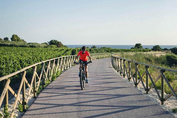 Cycling in Sicily. Menfi, la nuova pista ciclabile.