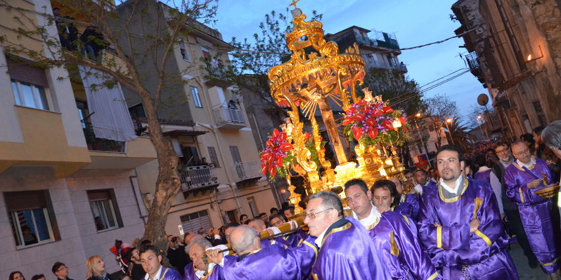 La processione del Cristo nero