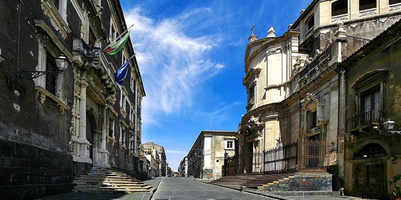 Storico Monastero San Benedetto di via Crociferi a Catania
